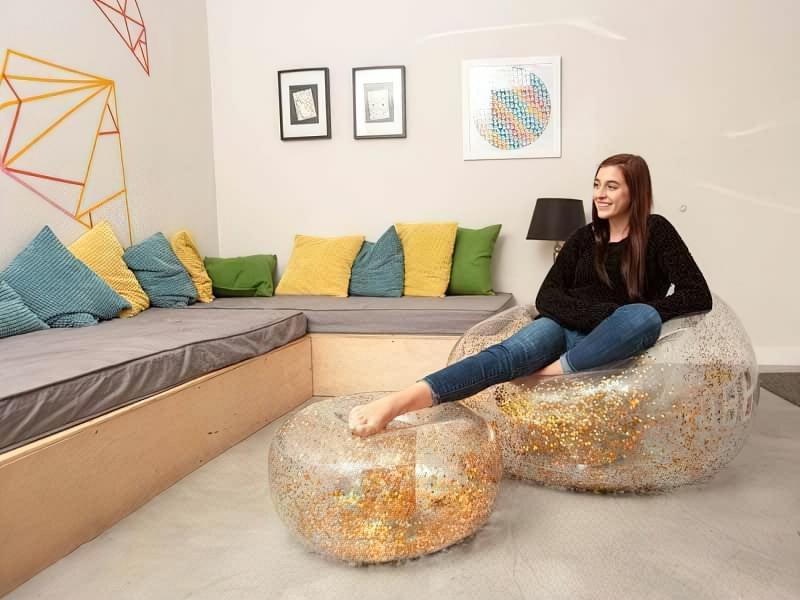 Переваги та недоліки надувних меблів 4