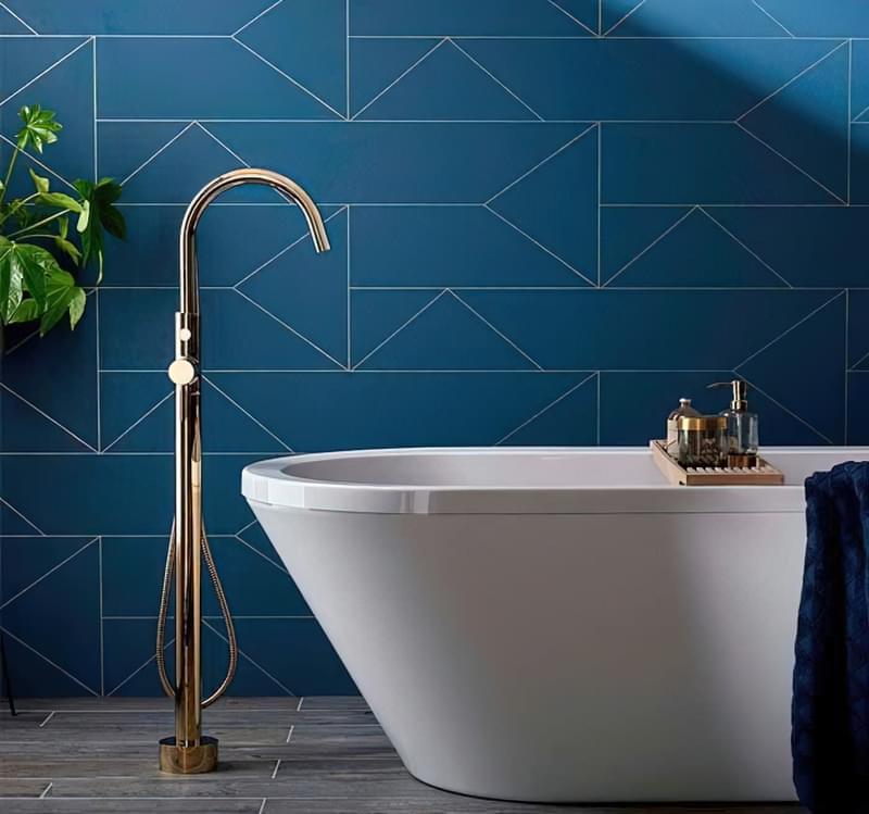 Підлогові змішувачі для ванни: плюси і мінуси 3