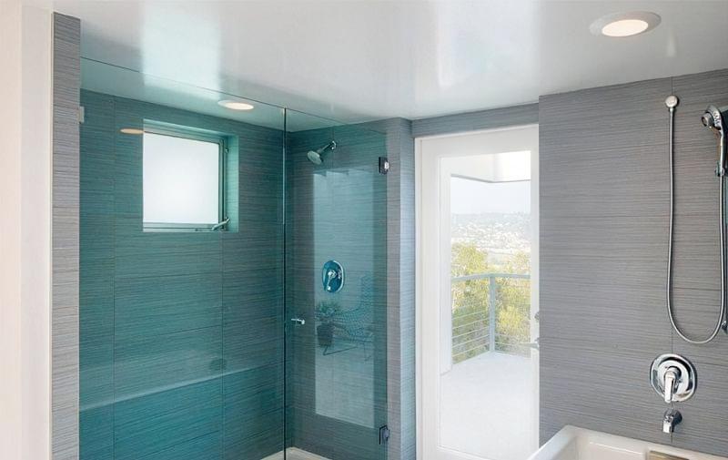 Варіанти оформлення стелі у ванній кімнаті 3