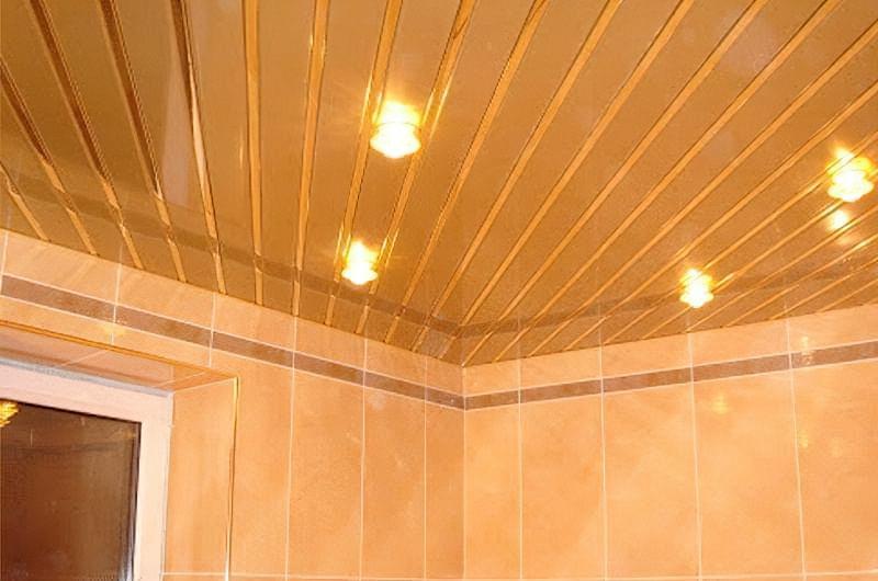 Варіанти оформлення стелі у ванній кімнаті 5