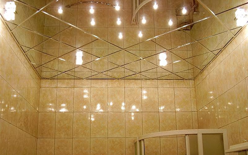 Варіанти оформлення стелі у ванній кімнаті 6
