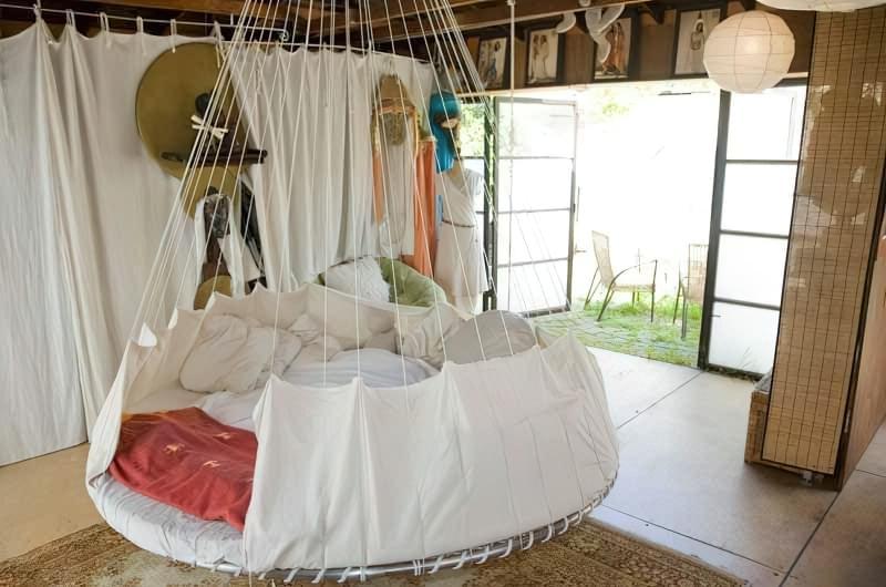 Круглі ліжка в інтер'єрі: фотопідбірка 7
