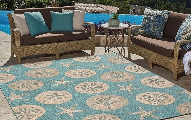 Патіо і тераси з килимом: фотопідбірка 12