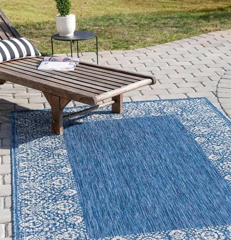 Патіо і тераси з килимом: фотопідбірка 5