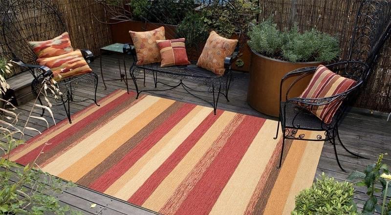 Патіо і тераси з килимом: фотопідбірка 7