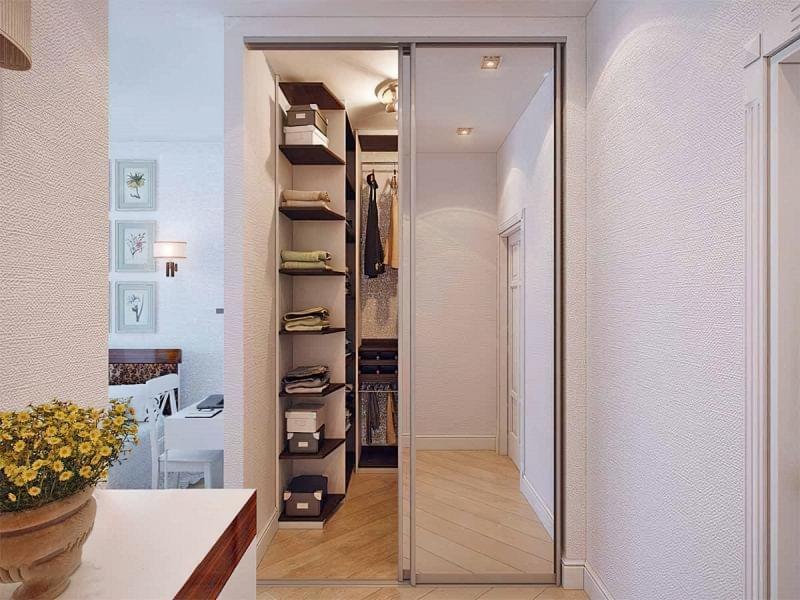 Варіанти розташування гардеробної кімнати в приватному будинку 1
