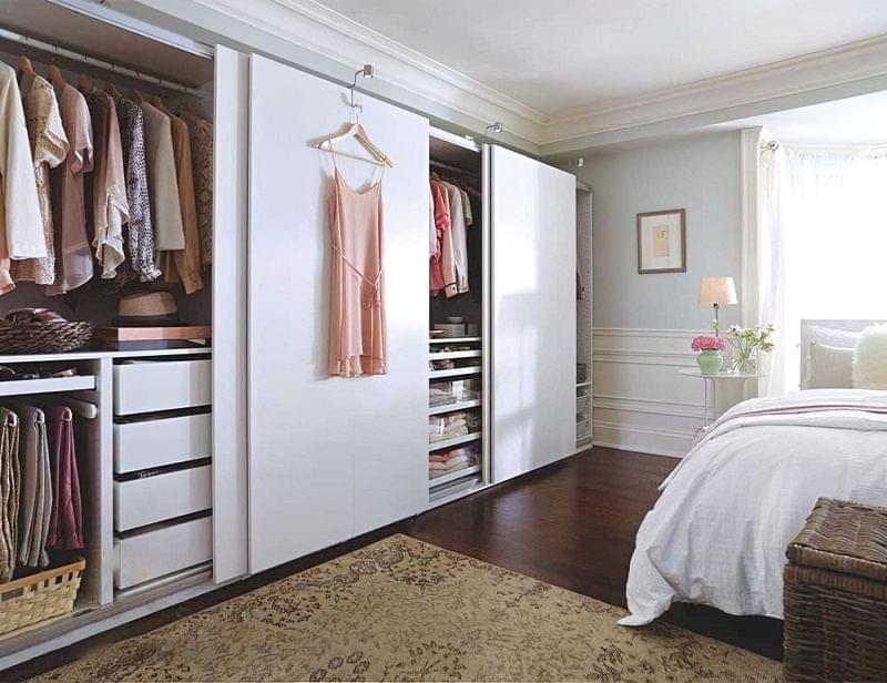 Варіанти розташування гардеробної кімнати в приватному будинку 8