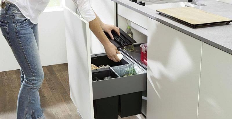 Висувні шафи для сміттєвих баків на кухні 2