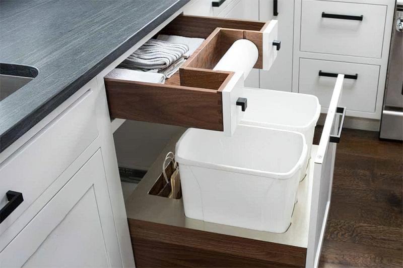 Висувні шафи для сміттєвих баків на кухні 1