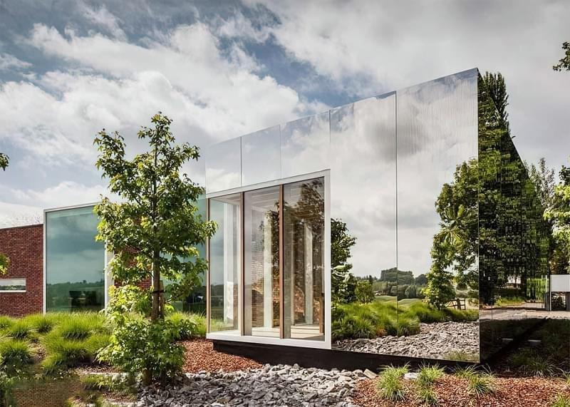Будинки дзеркальними фасадами: фотопідбірка 6