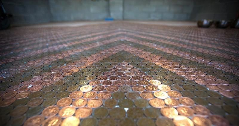 Підлога з монет і епоксидної смоли: фотопідбірка 11