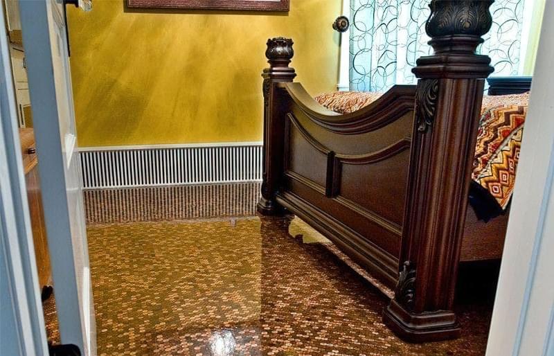 Підлога з монет і епоксидної смоли: фотопідбірка 5