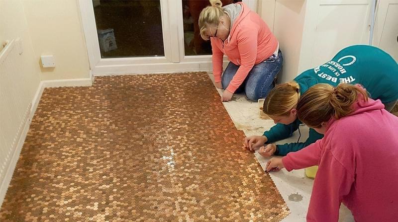 Підлога з монет і епоксидної смоли: фотопідбірка 10