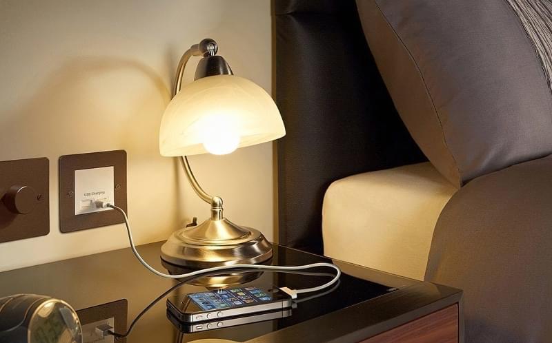 Як організувати правильне освітлення спальні 2