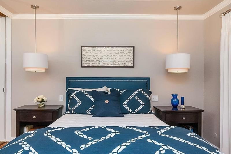 Як організувати правильне освітлення спальні 4