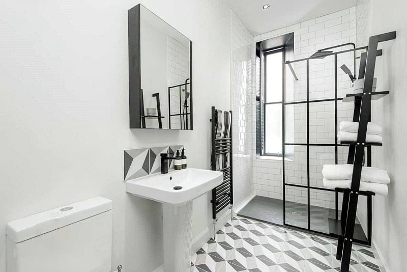 Фартух з плитки у ванній - новий модний тренд 5