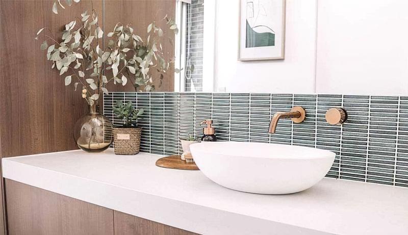 Фартух з плитки у ванній - новий модний тренд 1