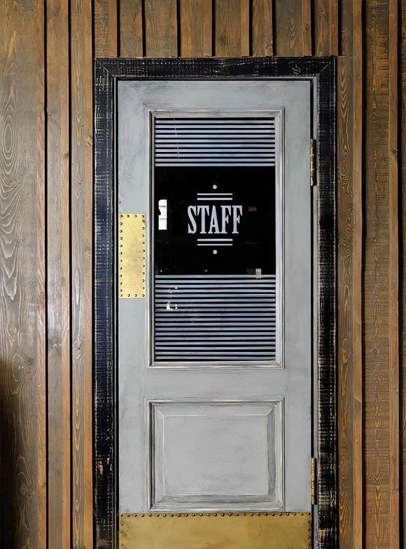 Двері в стилі лофт: фотопідбірка 6