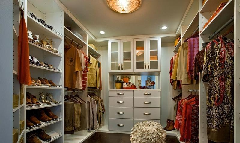 Як дизайнери підходять до облаштування гардеробної кімнати 6