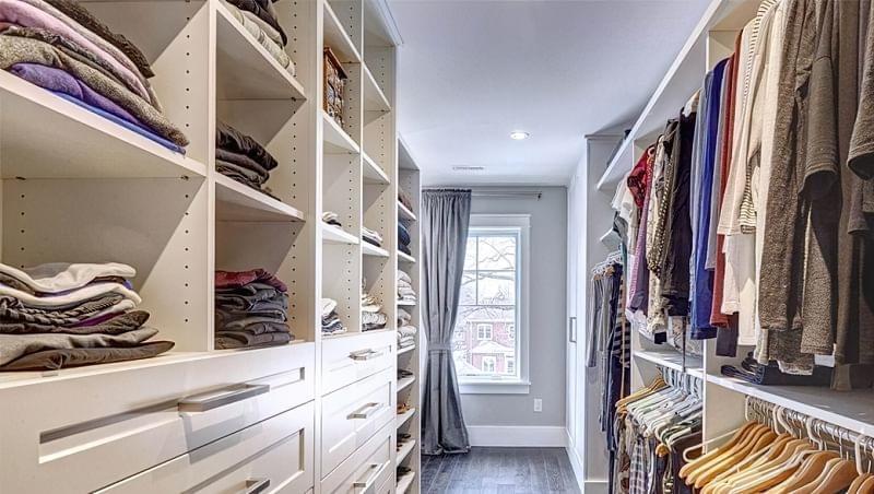 Як дизайнери підходять до облаштування гардеробної кімнати 7
