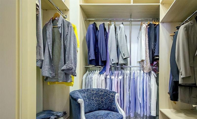 Як дизайнери підходять до облаштування гардеробної кімнати 8