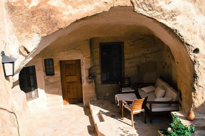 Будинки в печерах: фотопідбірка 1