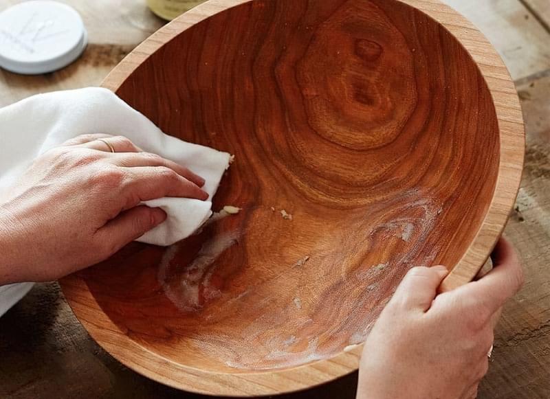 Фарба з воском для деревини: особливості застосування 5