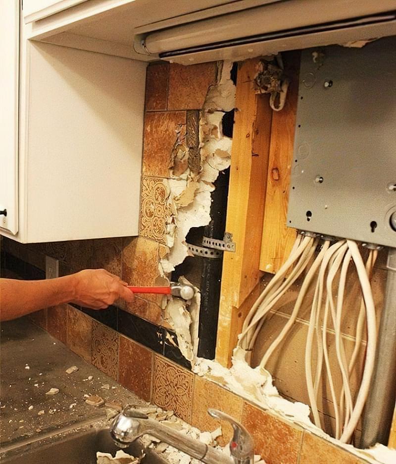 Як видалити стару плитку з кухонного фартуха 3