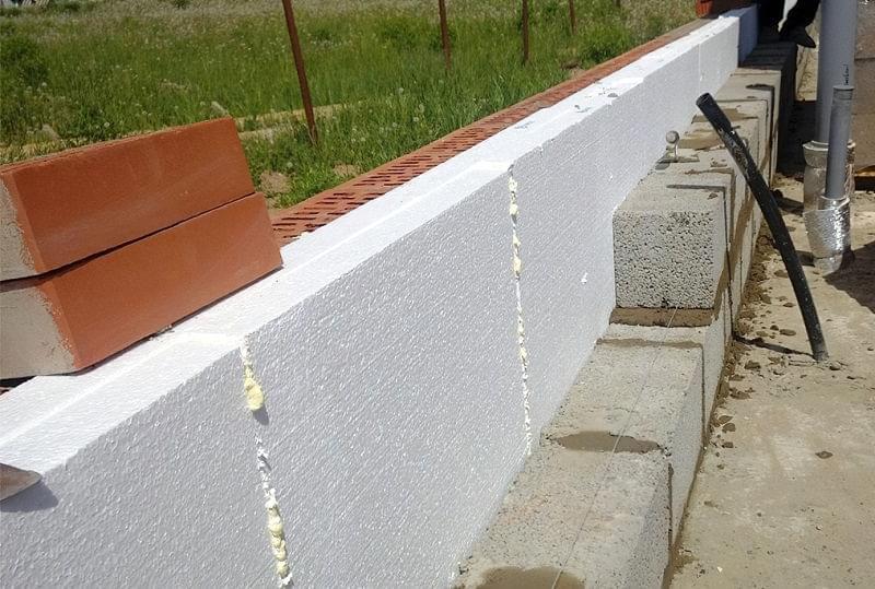 Колодязна кладка цегляних стін 2